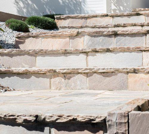 Escaliers, murets et retenues de terre